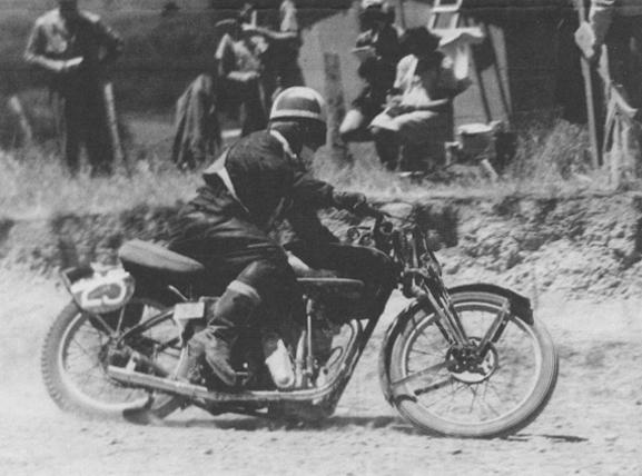 Len Perry, Big Velo, Velocette, Waiheke TT 1946