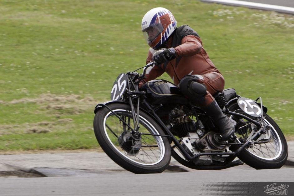 Peter Butterworth,1935 Velocette KTT, Pukekohe Classic Festival, February 2012, NZCMRR