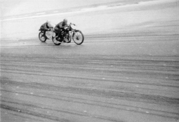 Velocette, Big Velo, Peter Butterworth, Pete Butterworth, Phil Harrington, Muriwai Beach Races, 1965