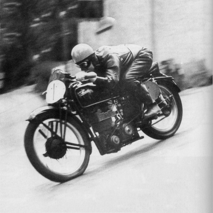 Stanley Woods, 1939 Junior TT winner aboard a Velocette MKVIII.